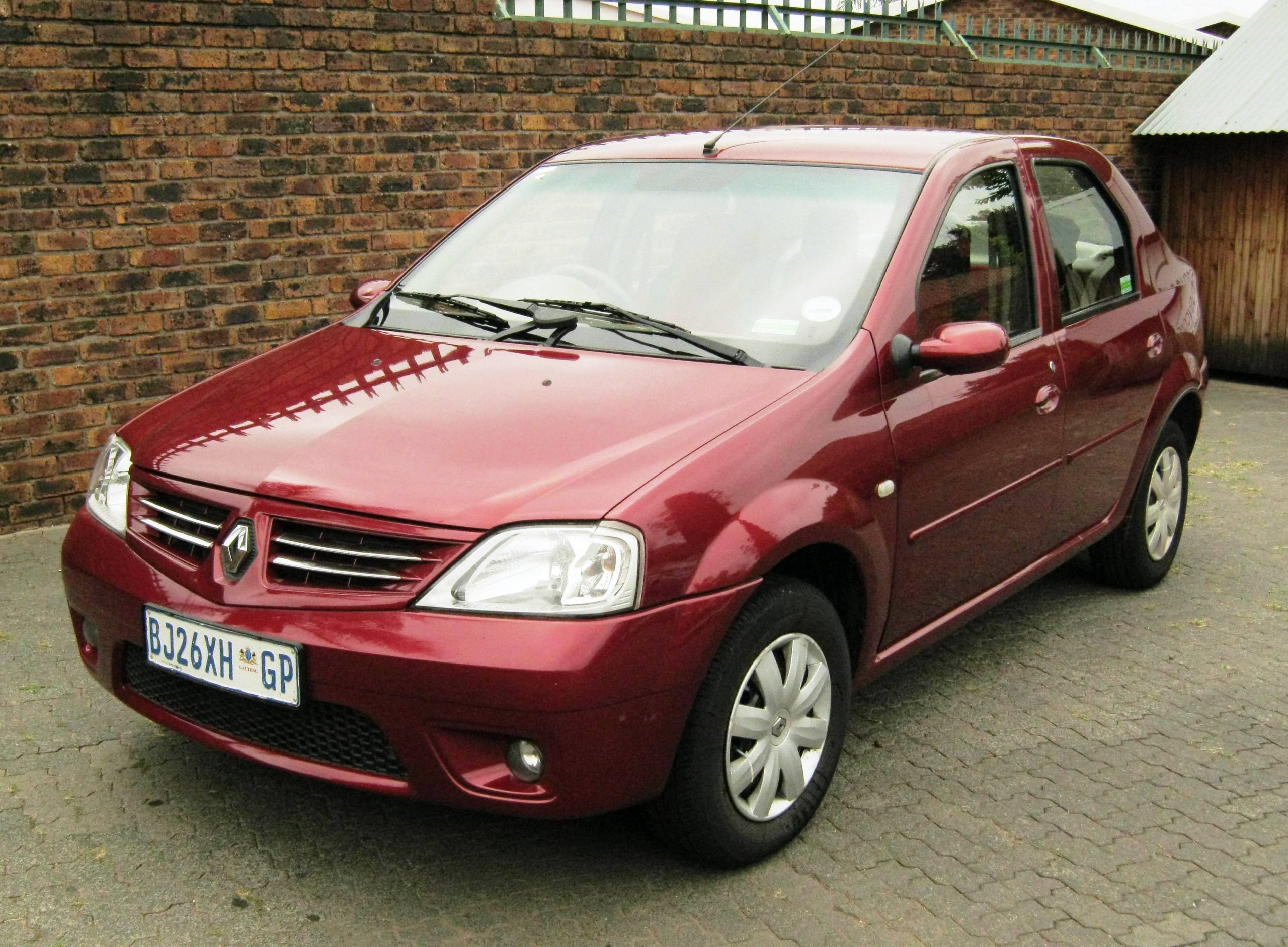 Renault Logan Fire Red
