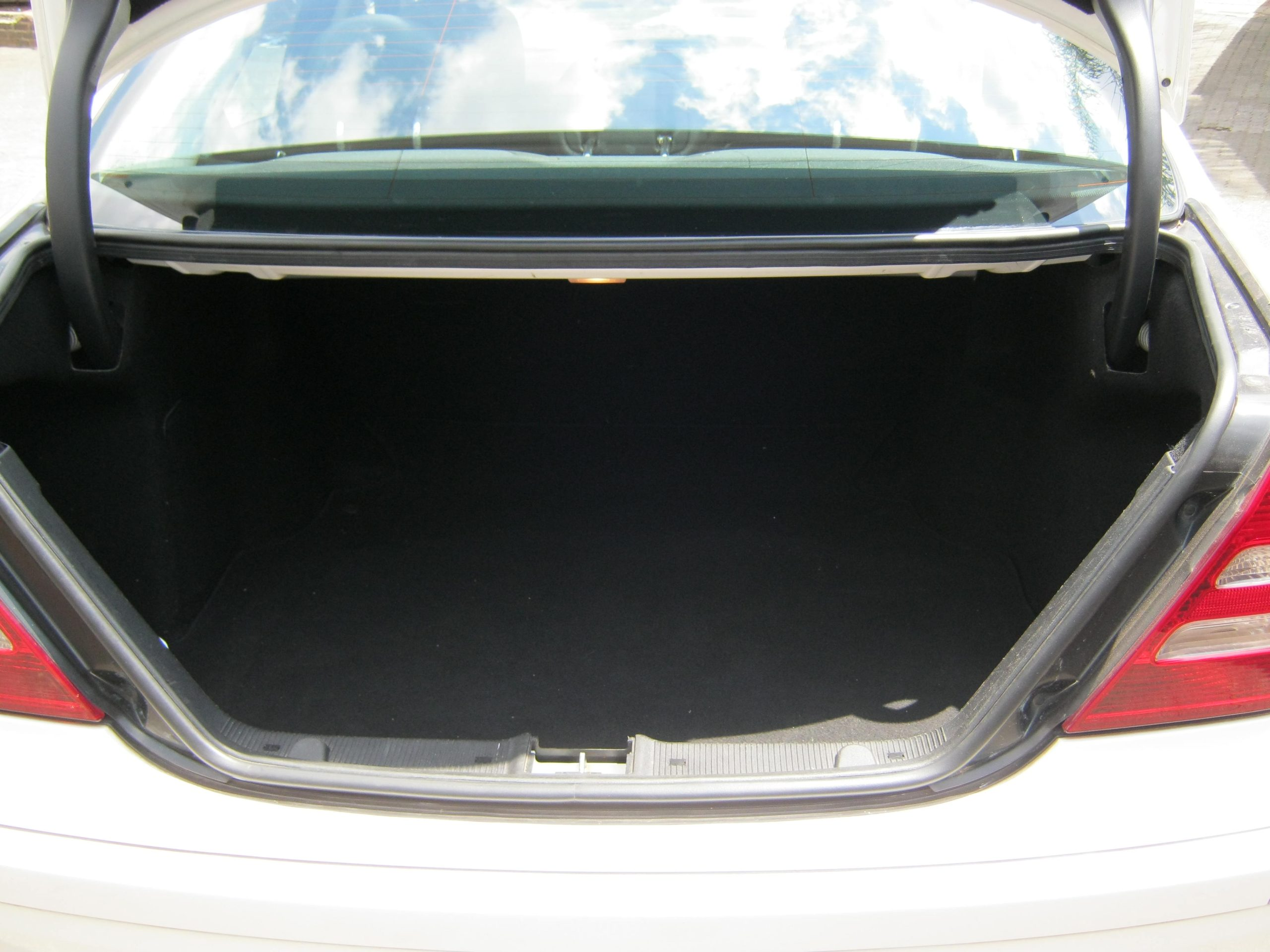 Mercedes Benz C180K Luggage Compartment Earn A Car